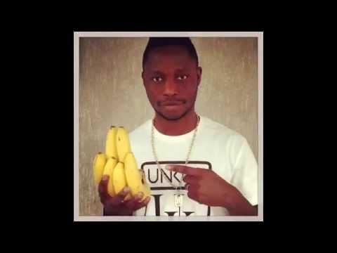 Compilation : Pictures footballers with bananas #NoToRacism (Dani alves, Neymar, Eto'o, ...)