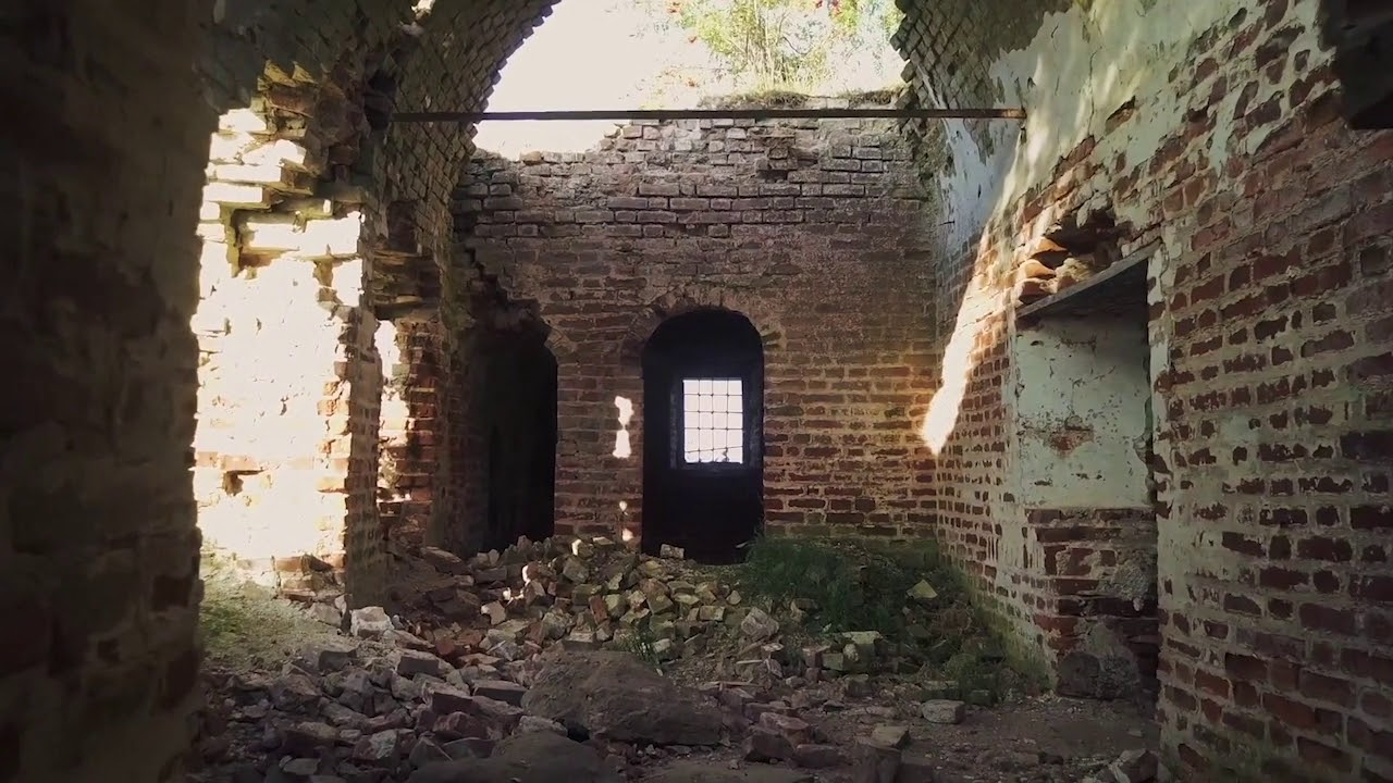 Храм с гнездом аиста
