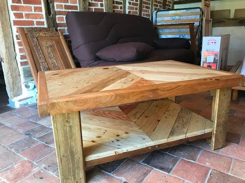 Table basse en bois de palette et de r cup ration youtube - Table de salon en palette ...