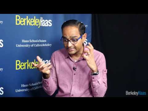Interview with Avinash Kaushik, Data Evangelist, Google - YouTube