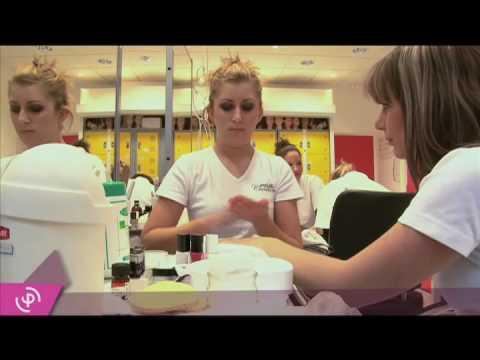 Interview Elysées Marbeuf - École d'Esthétique, Coiffure, Maquillage et Spade YouTube · Haute définition · Durée:  4 minutes 27 secondes · 4.000+ vues · Ajouté le 25.09.2012 · Ajouté par etudinfo