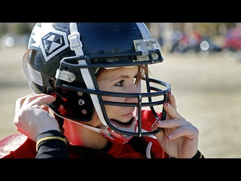 Jen Welter tries out for non-kicking spot on men