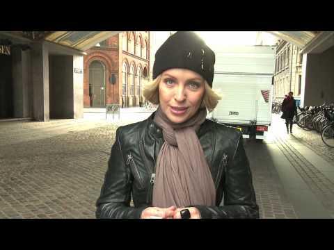 Julie R. Ølgaard, siger nej til knive! Bestil tshirt og vis din støtte på www.nejtilknive.dk.