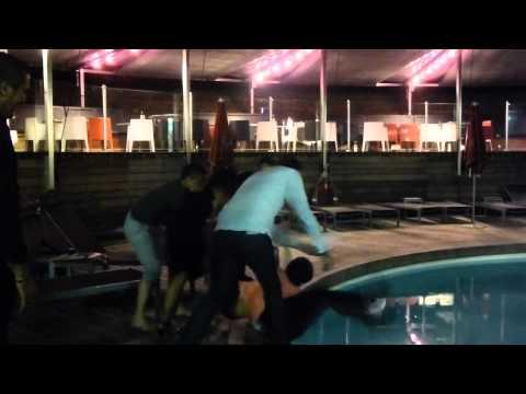 Piscine et plouf  (vidéo de Marie Robin)