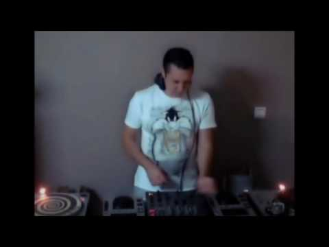 Live mix by Dimitris Apergis at radio Must Athens