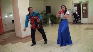 Музыкальный подарок тамады и диджея на свадьбе