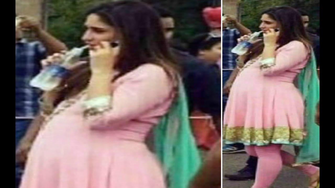 kareena kapoor is pregnant !! - youtube