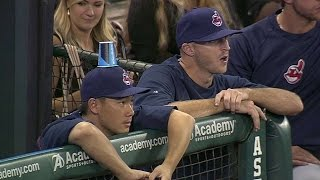 Indians DUPE C.C. Lee with cup-on-the-hat prank