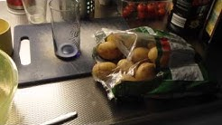 Keitetyt perunat mikrossa