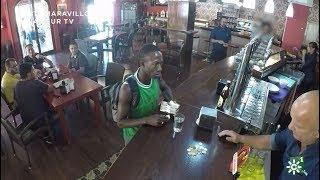 Un camarero a un inmigrante:
