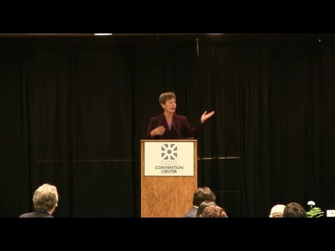 SpaceVision 2012: Peggy Whitson - YouTube