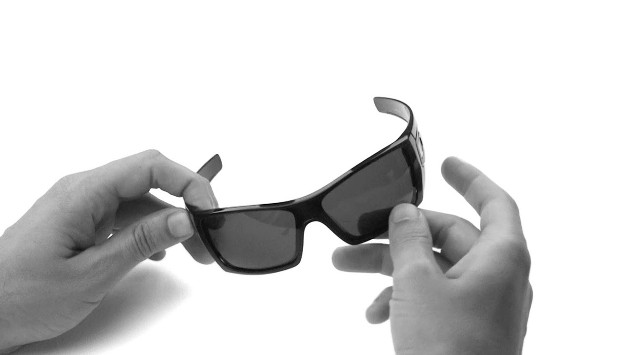 ac81c0be17 Oakley Batwolf Lens Replacement   Installation Instructions - YouTube