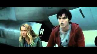 Warm Bodies / Тепло наших тел - Official movie trailer (2013)