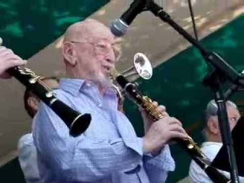 "Pete Fountain, Connie Jones and Co. - ""Clarinet Marmalade ..."