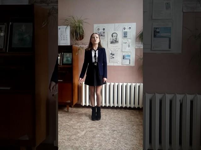 Изображение предпросмотра прочтения – МаринаЖивотовская читает произведение «Послушайте! (Послушайте! Ведь, если звезды зажигают…)» В.В.Маяковского