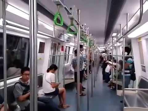 深圳地鐵羅寶線區間車抵達西鄉終點站 - YouTube