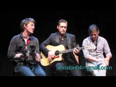 Hanson Performs