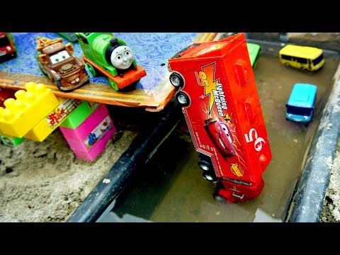 Tayo The Little Bus & Disney Cars 3   Lightning McQueen Fall Into River   Toys For Kids