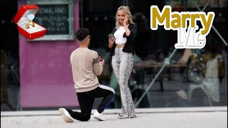 Proposing To Girls In England (Best Reactions) داوای هاوسه‌رگیری له‌ كچ