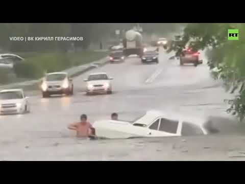 Saratov flood turned into a nightmare for Russian motorists