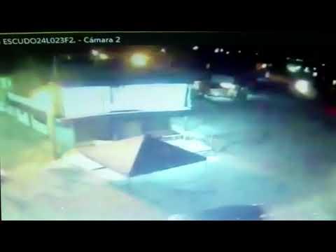 Cámara de Escudo capta convoy de delincuentes en Pénjamo