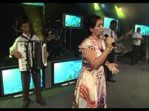 Teresa Cristina canta: DESCER NO VALE