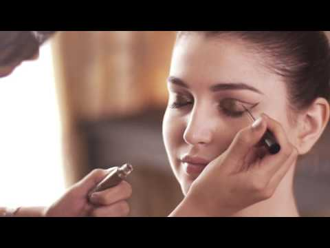 DIY Gold Shimmer Cat Eye with Lakme