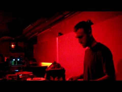 RJD2 - Ghostwriter (Live)