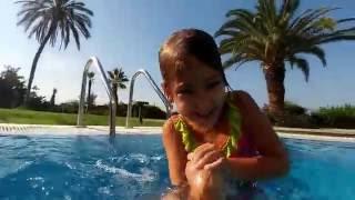 Video Akra Barut Hotelde Kasım ayında havuz keyfi, sualtı çekimleri, eğlenceli çocuk videosu download MP3, 3GP, MP4, WEBM, AVI, FLV November 2017