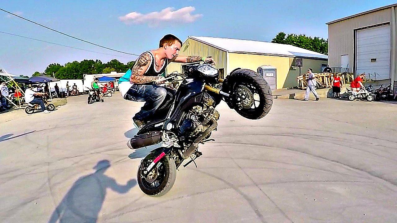 2015 Honda Grom >> GROM STUNTS - JUNKYARD KENNY & ALEX WISE - DUDE DATE 2015 - FIDDY FRIDAY - YouTube
