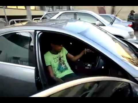 Vybz Kartel Showing off his Benz! S Class 350