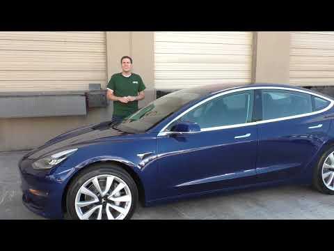 Вот почему Tesla Model 3 - крутейшая машина 2017 года ОБЗОР (Doug DeMuro на Русском)