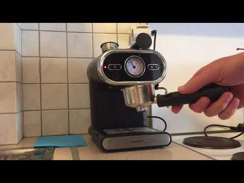 Making coffee with the Lidl espresso machine Silvercrest SEM1100 / Heinner HEM 1100BK
