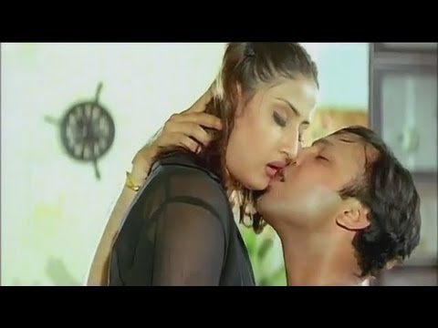 Urvashi Dholakia Hot Scene 3 of 4 from Swapnam