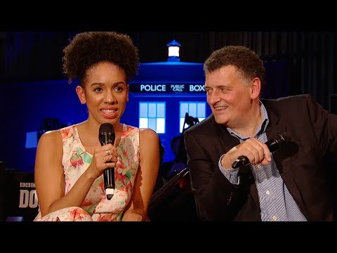 Download Youtube: FULL Q&A With Pearl Mackie & Steven Moffat - #DWFinaleCountdown - Doctor Who: Series 10