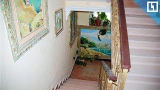 Ростовчанин превратил подъезд в музей