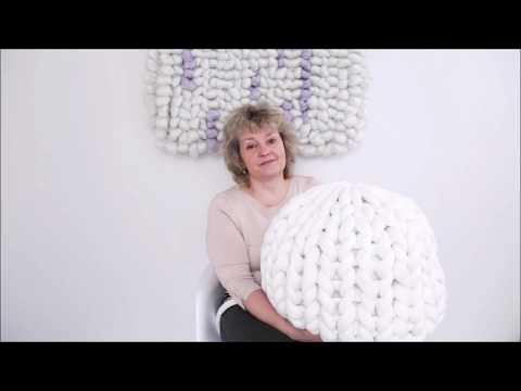 HOW TO HAND KNIT A CHUNKY POUF/OTTOMAN WITH TUBE YARN