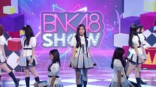 BNK48 - 365 Nichi no Kamihikouki (365วันกับเครื่องบินกระดาษ) @BNK48 show 23 july 2017