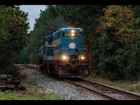 25 Mile Chase Of The Great Aberdeen & Rockfish With Highhood GP7 205 Running Long Hood Forward!
