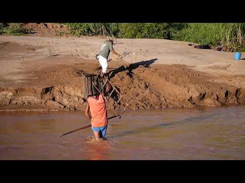 (T) Car crossing river near town of Belobaka, Madagascar (5)
