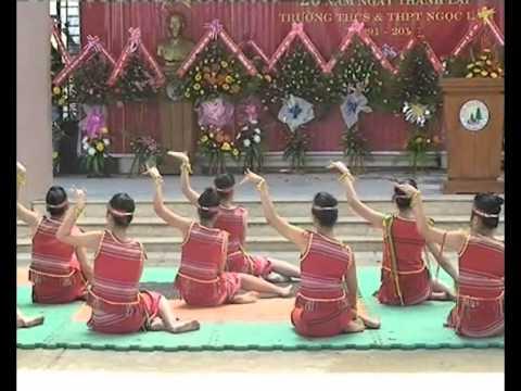 Múa Tây Nguyên - Lễ kỷ niệm 20 năm thành lập trường THPT & THCS Ngọc Lâm