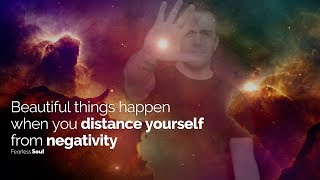 Beautiful Things Happen When You Distance Yourself From Negativity! Inspiring Speech Resimi