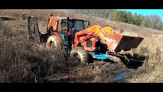 THE LITTLE TRACTOR THAT COULDN'T.... BOGGING & BUSH HOGGING