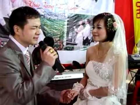 Chú rể hát tặng cô dâu ngày cưới