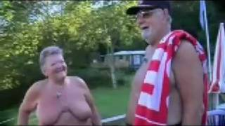 Repeat youtube video Norges Herligste - Naturistparet