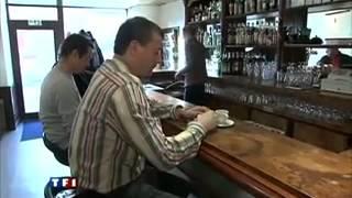 Un café restaurant bibliothèque à Saint Pierre de Trivisy   vidéo dailymotion 2