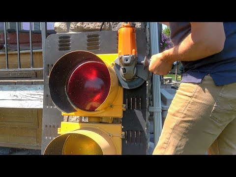 What's inside a Stop Light?