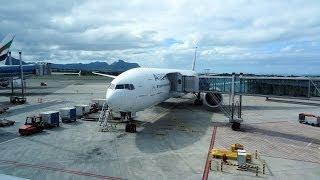 Air France Boeing 777-328ER full landing MRU/11.06.2014 Mauritius