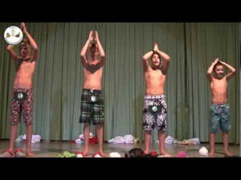 Spiel Doch Mit Den Jungs! Trailer HD (Schwule Kurzfilme) von YouTube · Dauer:  1 Minuten 49 Sekunden