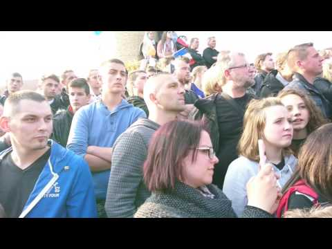 Dernier meeting de Marine Le Pen en Picardie, dans la Somme. Ennemain, 04/05/2017.